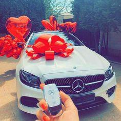 Date reiche Frau – For my Queen – Super Autos Bmw 760li, Bmw I8, Mercedes E, Mercedes Benz Autos, Mercedes Sport, My Dream Car, Dream Cars, Ford Transit Custom, C 63 Amg