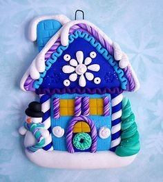 Winter house in polymer clay Crea Fimo, Fimo Clay, Polymer Clay Projects, Polymer Clay Creations, Clay Beads, Clay Crafts, Polymer Clay Ornaments, Polymer Clay Charms, Polymer Clay Art