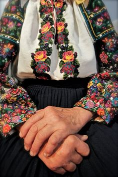 Travel West Ukraine Ukrainian embroidery, photo by Ivan Yasnij. These hands are everywhere in my family. Folklore, Folk Costume, Costumes, Mode Russe, Ukrainian Art, Lesage, Hand Embroidery Designs, Ethnic Fashion, Sandro