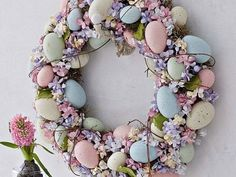 interessante dekoration ostern ideen 2015 Check more at - Deko Ostern - # Easter Wreaths, Holiday Wreaths, Spring Wreaths, Hoppy Easter, Easter Eggs, Easter Bunny, Easter Table, Easter 2018, Easter Parade