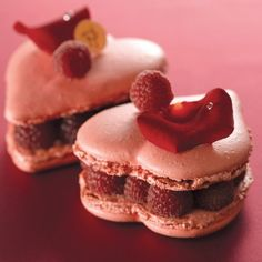 forget Ladurée ... really Pierre Hermé is the true king of macarons !