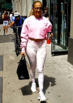 65f7fa9205 Jennifer Lopez - Heading to rehearsals in New York City Jennifer Lopez  News