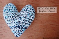mon makes things: Crochet Heart Pillow: Pattern & Tutorial