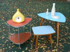 Vintage colorful tables   #vintage#retro#design#aragorngallery#retrodizajn Retro Design, Tables, Colorful, Furniture, Vintage, Home Decor, Mesas, Decoration Home, Room Decor