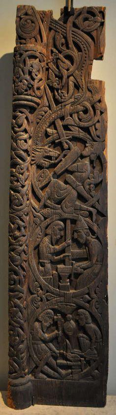 L'histoire de Sigurd (Siegfried) est représentée sur le portail de la stavkirke de Hylestad (Aust-Agder). Au Kulturhistorisk museum d'Oslo, une salle est dédiée aux portails de ces églises en bois debout. Pour en savoir plus: http://www.fafnir.fr/historisk-museum.html.