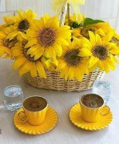 Morning Coffee Images, Sunday Coffee, Coffee Bar Home, Good Morning Coffee, Good Morning Photos, Coffee Cafe, Coffee Break, Morning Mood, Coffee Flower