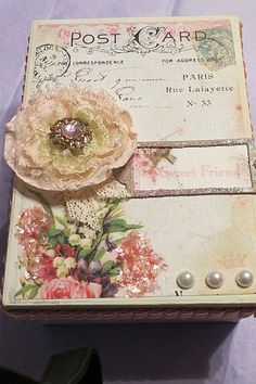 Beautiful keepsake boxes - I love creating. I wanted to make something beautiful to put a small bottle of perfume in for a dear friend. I love the shabby chic,… Homemade Gifts, Diy Gifts, Cigar Box Crafts, Altered Cigar Boxes, Shabby Chic Crafts, Pretty Box, Craft Box, Shabby Vintage, Vintage Crafts