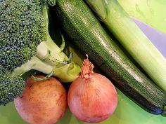 Een heerlijk romig soepje met courgette, prei en broccoli