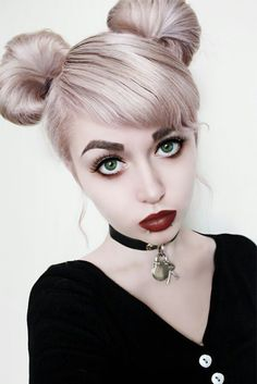 Nu-Goth Fashion Tip Nº 7: Nu-Goth with Pinkish Lavender Bun Dyed Hair - http://ninjacosmico.com/22-fashion-tips-nu-goth/