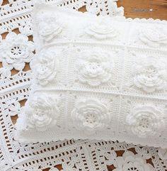 Watch The Video Splendid Crochet a Puff Flower Ideas. Wonderful Crochet a Puff Flower Ideas. Crochet Home, Love Crochet, Crochet Motif, Beautiful Crochet, Crochet Crafts, Crochet Projects, Crochet Cushion Cover, Crochet Cushions, Crochet Pillow