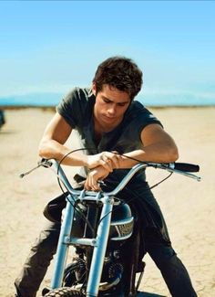 15 Reasons why Dylan O& is the cutest and sexiest boy on TV - 15 Reasons not to stop thinking about Dylan O& - Teen Wolf Boys, Teen Wolf Dylan, Teen Wolf Stiles, Nicholas Hoult, Barbara Stanwyck, Carole Lombard, Humphrey Bogart, Marlon Brando, Tom Holland