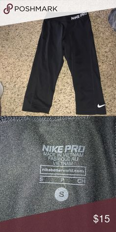 Nike capris Worn but still in great condition. Nike Pants Capris