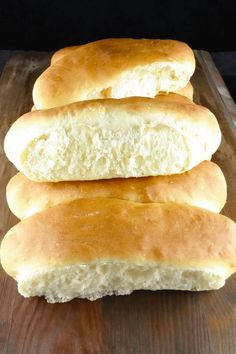 Everyone loves a hot dog now and again. Why not make it a little healthier and add one of these soft, homemade spelt flour hot dogs? Spelt Recipes, Flour Recipes, Bread Recipes, Easy Recipes, Cooking Recipes, Hot Dog Bun Recipe Bread Machine, Bread Machine Recipes, Spelt Flour Bread Machine Recipe, Croissants