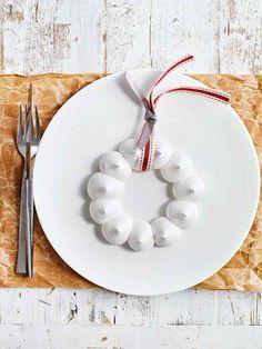 meringue christmas wreaths