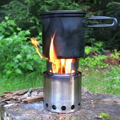 Solo Stove Store - Might have to get one of these. Pretty Cool!  (http://www.solostove.com/solo-stove/)