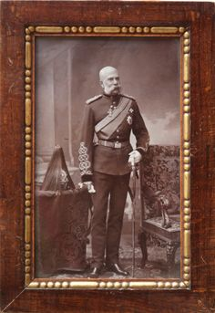 Emperor Franz Joseph in British Uniform (King's Dragoon Guards) Sissi, Fürstentum Liechtenstein, The Duke Of Burgundy, German Confederation, Joseph, Kaiser Franz, Royal Photography, British Uniforms, Royal Blood