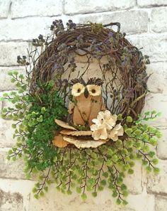 Owl wreath, spring wreath, summer wreath for door, front door wreath, grapevine … – Crafts – Wreaths Etsy Wreaths, Owl Wreaths, Wreaths For Front Door, Wreath Ideas, Front Doors, Silk Flower Wreaths, Burlap Flowers, Floral Wreath, Valentine Day Wreaths