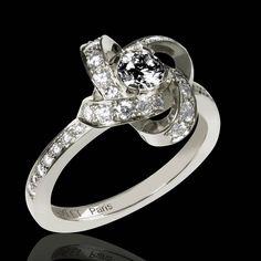 102b705fbbe Bague de fiançailles diamant noir forme d une fleur rose Chloe