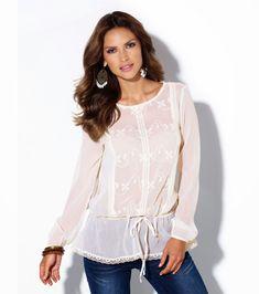 0cf0712e8 Refresca tu guardaropa con estos lindos diseños de blusas que resaltarán tu  figura, son versátiles