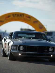 The Mustang Mach 40 by Oregon based Eckert's Rod Shop is powered by a supercharged version of the 5.4-liter V8 coming from the GT40 that now produces 850 Hp.