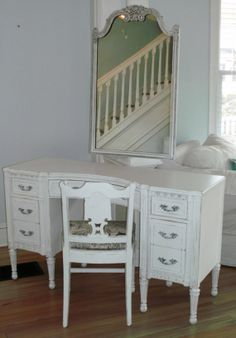 Luxury Antique White Wood Desk
