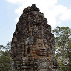 Angkor Wat Faces of Bayon