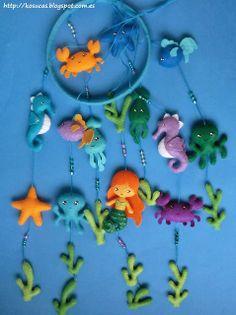 Felt mobile under the sea Fabric Toys, Felt Fabric, Fabric Crafts, Mobiles, Baby Mobile Felt, Felt Patterns, Felt Diy, Felt Ornaments, Baby Crafts