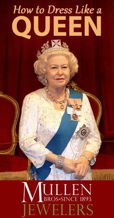 How to Dress Like Queen Elizabeth II for Halloween