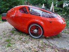 Challenger Velomobile The Carless Class is defined by eliminating the car equation of requiring of its energy just to move itself. Microcar, Electric Tricycle, Electric Cars, Karting, Austin Seven, Tricycle Bike, Strange Cars, Recumbent Bicycle, Pedal Cars