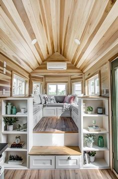 The Clover Tiny House on Wheels de Modern Tiny Living The Clover Tin . - The Clover Tiny House on Wheels de Modern Tiny Living The Clover Tiny House de Modern Ti - House Plans, House Design, Home Interior Design, House Interior, Home, Small Spaces, House, Tiny House Decor, House Rooms