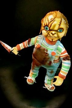 scary chucky doll with knife Scary and Macabre Chucky Doll Cake for Childs Play Fans Movie Theme Cake, Movie Themes, Scary Chucky, Scary Cakes, Halloween Cakes, Halloween Party, Cakes For Men, Cake Pictures, Cake Decorating Tutorials