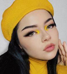 Yellow Eye Makeup, Grey Makeup, Yellow Eyeshadow, Colorful Eye Makeup, Makeup Trends, Makeup Inspo, Makeup Art, Makeup Inspiration, Hair Makeup