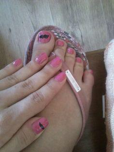 Mustache nails <3