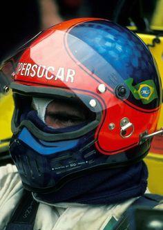 A motorwebsite & other stories. Racing Helmets, Motorcycle Helmets, Fire Helmet, Emo, Formula 1 Car, F1 Drivers, Helmet Design, Car Humor, Courses