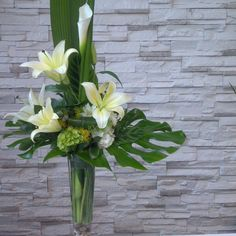 #interior #design #art #bouquet #flowers #love #adore #modern #contemporary #lily #green #white #leaf #high #bright