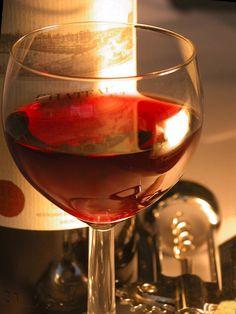 Cena. Dinner #dinnertime #vino #wine #winelover #winery #bodega #instagram #rrss #TiendasOnline #Gourmet #bottleandcan #Granada #Andalucia #Andalusia #España #Spain  http://tienda.bottleandcan.com/es/