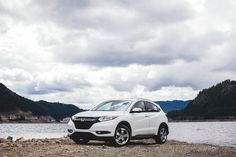 Even when the HR-V Crossover matches the scenery, it never blends into its surroundings.
