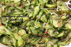 do vyždímané zeleniny přidejte nálev; barevný pepř i chili papričky nejen pikantně chutnají, ale i dobře vypadají Granola, Sprouts, Food And Drink, Vegetables, Chili, Anna, Chile, Vegetable Recipes, Chilis