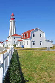 July Lighthouse Of the Month Pointe-au Pere Lighthouse National Historic Site of Canada, Quebec Ontario, Province Du Canada, Canadian Travel, Beacon Of Light, Quebec City, Historical Sites, Beautiful Places, Beautiful Buildings, Around The Worlds