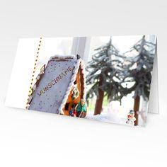 Format: 21 cm x 10,5 cm (geschlossen) 21 cm x 21 cm (offen) Material: 300g/m² Seidenmatt Stilvolle Weihnachtsgrüße Das Angebot an Weihnachtskarten ist jedes Jahr größer. Doch eigentlich ähneln sich...