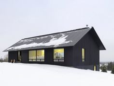This contemporary chalet house plan in Clearview, Ontario is a lesson in opposites attracting. Designed by Canadian architects Atelier Kastelic Buffey (AKB), this winter wonderland home features a dark, dramatic...