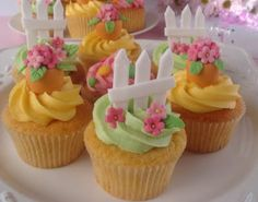 perfect lil Easter cuppies ~ complete with white picket fences Garden Cupcakes, Fancy Cupcakes, Filled Cupcakes, Yummy Cupcakes, Birthday Cupcakes, Fondant Toppers, Fondant Cupcakes, Cupcake Tray, Cupcake Cookies