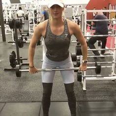 """13.1b Beğenme, 1,122 Yorum - Instagram'da Gym Videos (@gym_videos): """"Smith machine curtsey lunge with knee up. Bend knees and drop like you would a regular lunge, but…"""""""