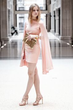 Birthday Look: Pink Rose Dress, Golden Sequin Clutch Bag, Pink Coral High Heels, Golden Details, Festive, sylvester, new years eve - Hamburg, Streetstyle, Outfit, Blogger
