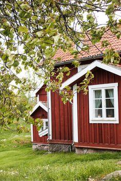 Bullerbü und Lönneberga - ein Hauch von Astrid Lindgren http://www.travelworldonline.de/traveller/ein-hauch-von-bullerbue-und-loenneberga-in-asens/?utm_content=bufferbccac&utm_medium=social&utm_source=pinterest.com&utm_campaign=buffer ... #sweden #schweden #sverige