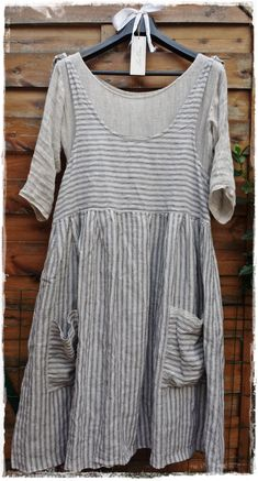 "Striped linen dress ""Les Ours"" with underdress ""Chiffons de Pucerone"" Pretty Outfits, Cool Outfits, Boho Fashion, Fashion Outfits, Indie Hipster Fashion, Estilo Hippie, Mori Girl, Linen Dresses, Mode Inspiration"