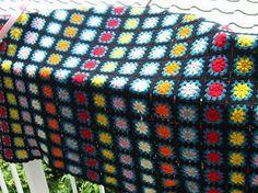 此れはモチーフの基礎的なものです。 一枚づつ編み溜めて繋ぐもよし、繋ぎながら編んでも良いです。 簡単は前者です 参考資料として、勝手にvaviお母さ...