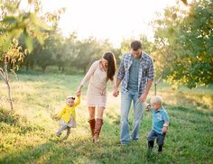 Getting excited for my family orchard shoot! Fall Family Photos, Family Love, Family Pics, Family Posing, Family Portraits, Love Photography, Children Photography, Future Photos, Cute Baby Pictures