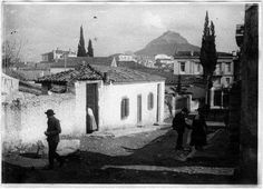 Αθηνα 1918 Old Pictures, Old Photos, Greece Photography, Greek Culture, Acropolis, Athens Greece, Back In The Day, Rue, The Neighbourhood