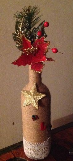 Wine Bottle Art, Painted Wine Bottles, Wine Bottle Crafts, Christmas Projects, Christmas Crafts, Christmas Decorations, Wrapped Wine Bottles, Christmas Wine Bottles, Wine Down